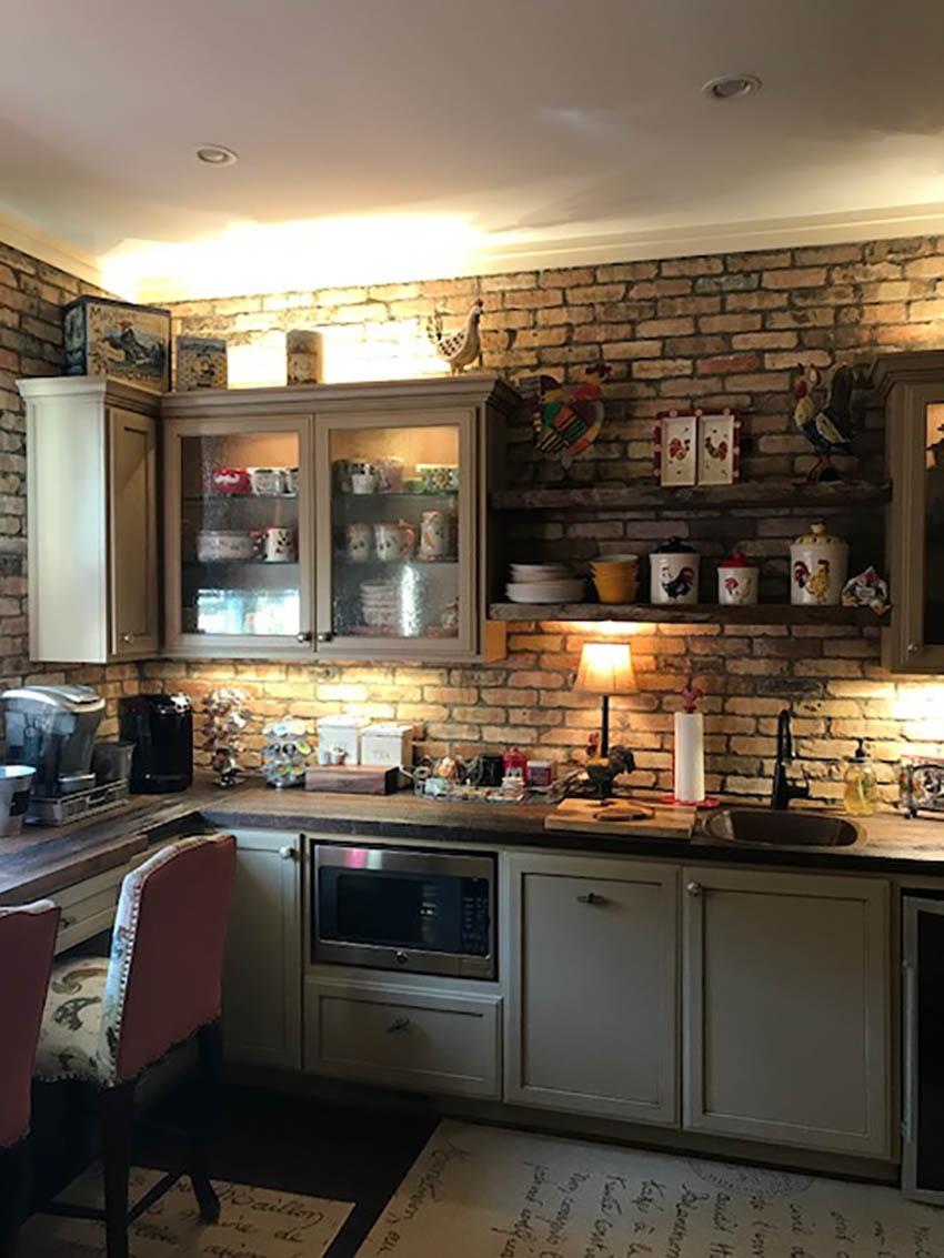 Chicago antique thin brick Kitchen