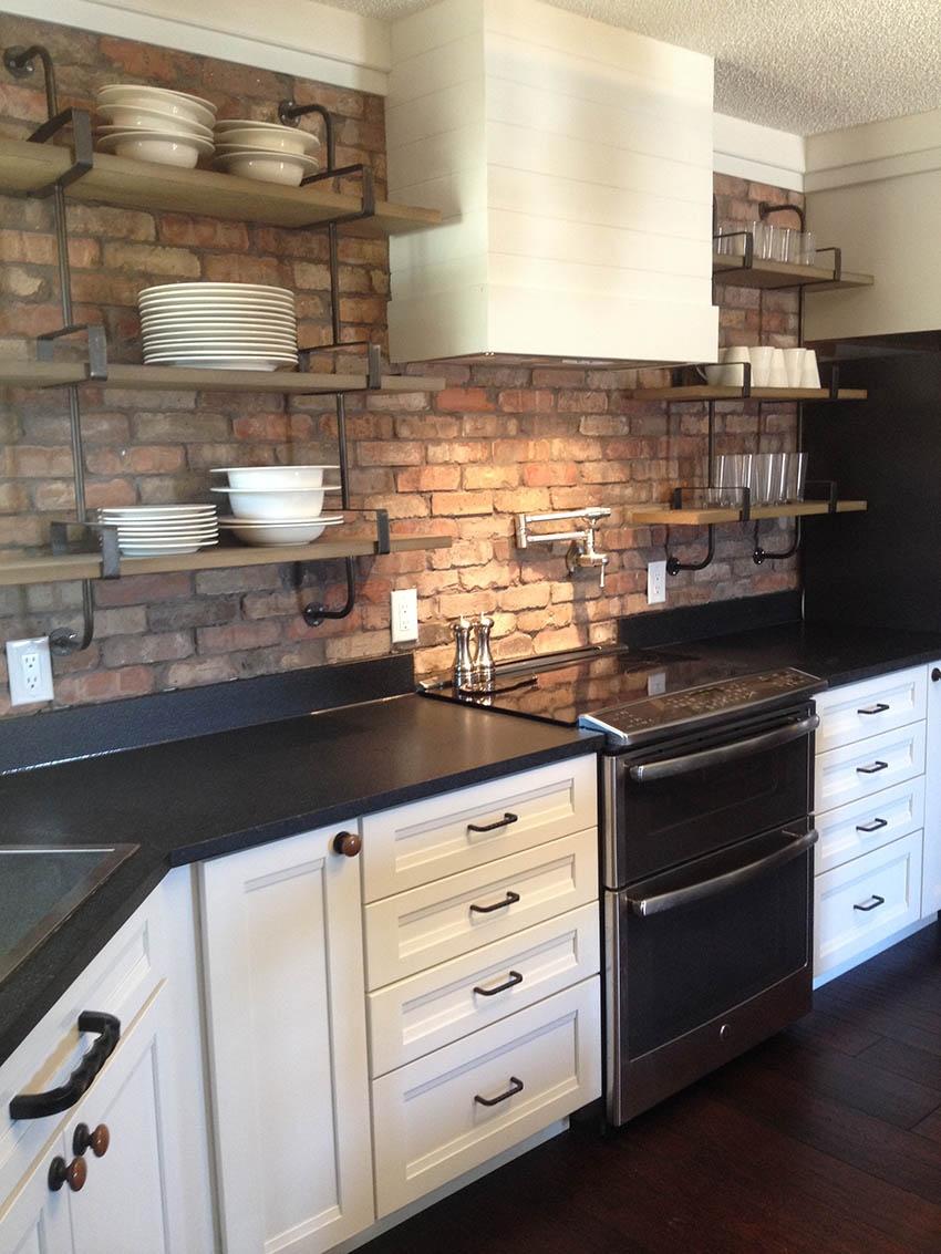 Antique Chicago thin brick kitchen backsplash